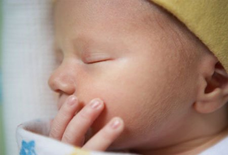 Trường mầm non Họa Mi - 10 lưu ý với da bé sơ sinh