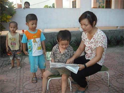 """Trường mầm non Họa Mi - 4 tuổi hóa """"thần đồng"""", cha mẹ """"phát sốt"""" sợ con bị tự kỷ"""