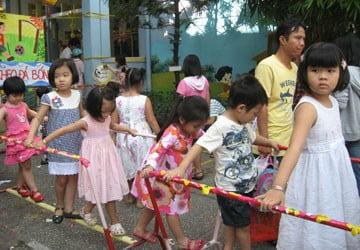 Trường mầm non Họa Mi - Chạy trường gửi trẻ mầm non
