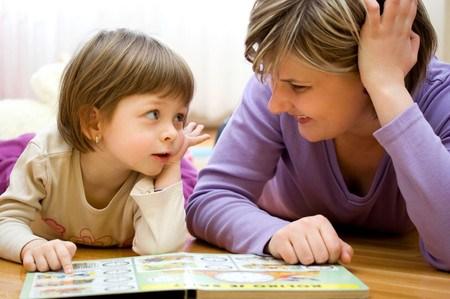 Kết quả hình ảnh cho đọc sách cho con