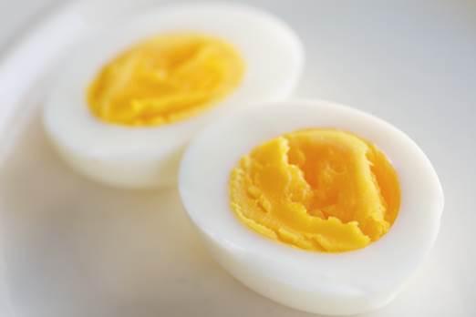 Ăn trứng vào buổi sáng sẽ mang lại cho trẻ em nhiều năng lượng.