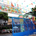 Cổng trường mầm non Họa Mi nhìn từ trong ra
