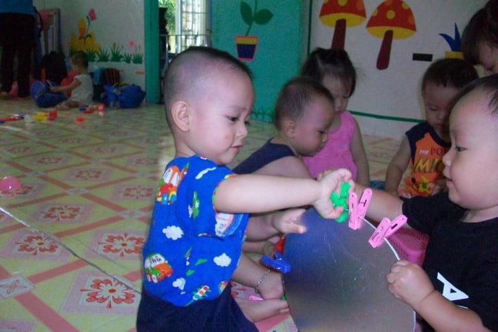 Vận động tinh là gì? Tìm hiểu vận động tinh ở trẻ mầm non