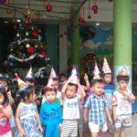 Các bé chuẩn bị cho lễ hội mừng ngày thành lập QDND VN 22/12 và Noel - Hình 12