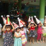 Các bé chuẩn bị cho lễ hội mừng ngày thành lập QDND VN 22/12 và Noel - Hình 14