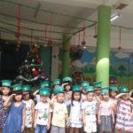 Các bé chuẩn bị cho lễ hội mừng ngày thành lập QDND VN 22/12 và Noel - Hình 16
