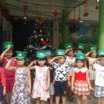 Các bé chuẩn bị cho lễ hội mừng ngày thành lập QDND VN 22/12 và Noel - Hình 17