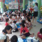 Các bé chuẩn bị cho lễ hội mừng ngày thành lập QDND VN 22/12 và Noel - Hình 3