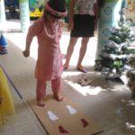 Hoạt động vui chơi ngoài trời của bé tại trường mầm non Họa Mi 12/2016 - Hình 9