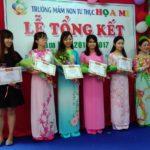 Hình ảnh lễ khen thưởng tại Trường mầm non Họa Mi năm học 2016-2017 (Hình 21)